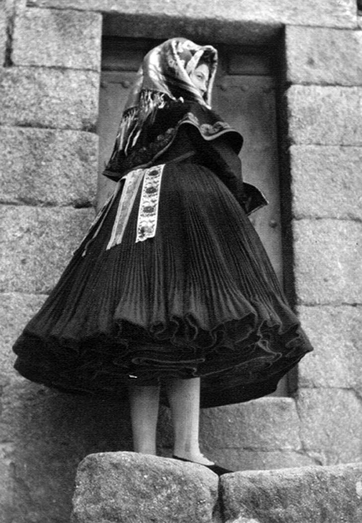 Montehermoso Cultural: José Ortiz Echagüe y las fotografías sobre los tipos y trajes de Montehermoso