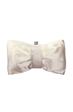 White #Clutches Style Code: 07689 $25Clutches Style, White Clutches, Clutches Collection, Bows Shapped Clutches, Pretty Clutches