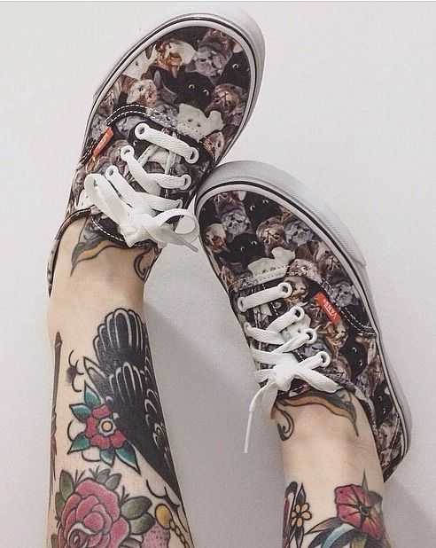 Vans supports ASPCA - taking a stand against animal cruelty since 1866. I want these with dogs!!!