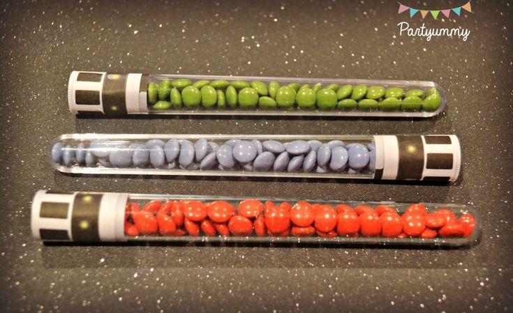 bonbons-smarties-sabres-laser-candies-lightsabers-star-wars