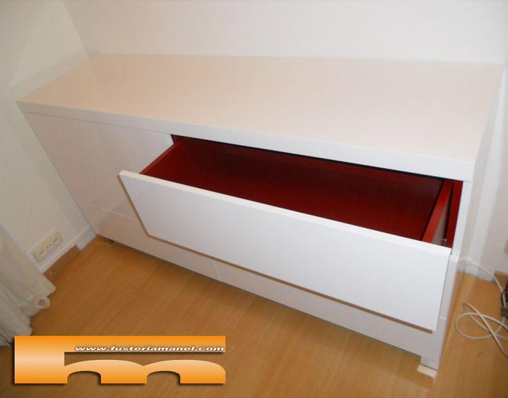 Mueble cajonera a medida lacado brillo proyecto realizado for Mueble salon suspendido