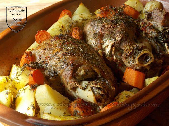 Gotowanie jest łatwe: Udo indycze pieczone z ziemniakami w garnku rzymsk...