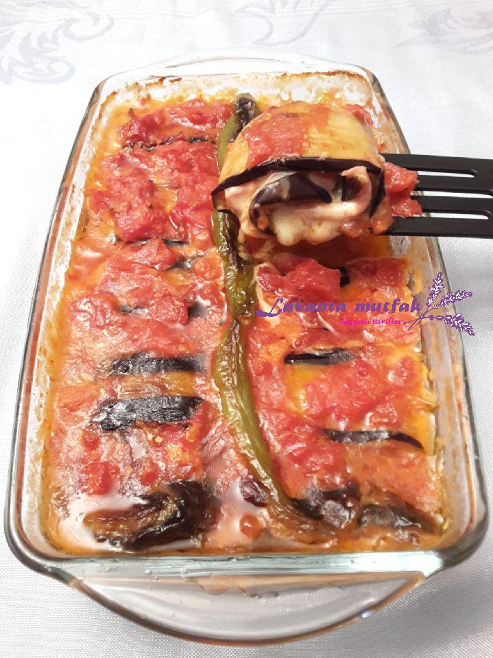 Salamlı Kaşarlı Patlıcan Sarma