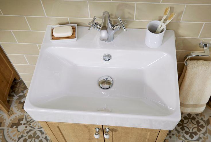 Ceramic slabtop washbasin unit with plenty of bathroom storage, both within the cupboard and around the basin itself #downton #downtonshaker #bathroomfurniture #myutopia