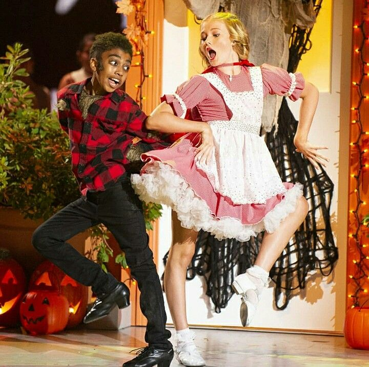 Ryleearnold Milesbrown Dance For Dwtsjunior Halloween Night Dancing With The Stars Dwts Dance