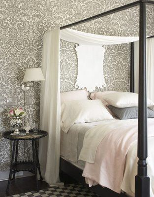 Window seat in bedroom with Farrow & Ball white and grey damask