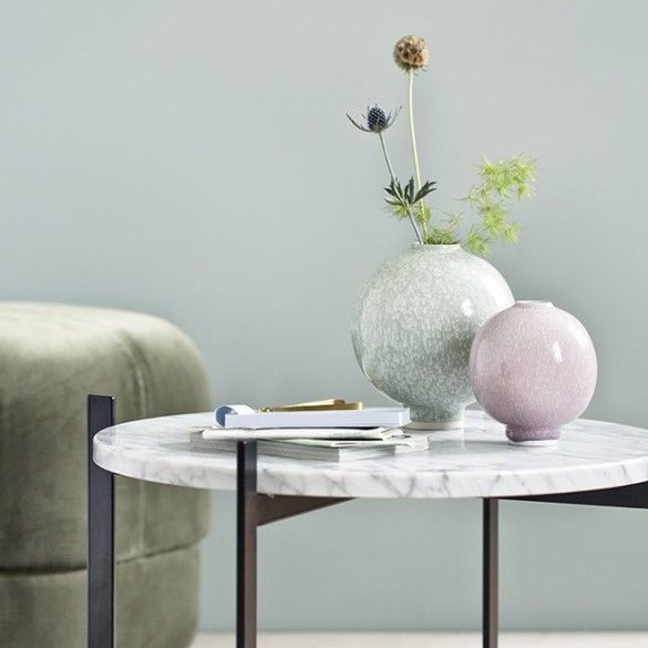 The range features a special reactive glaze, which means that no two products are alike. Explore a fascinating universe of simple shapes and vibrant glazes, which will help you create the loveliest spring ambience in your home.