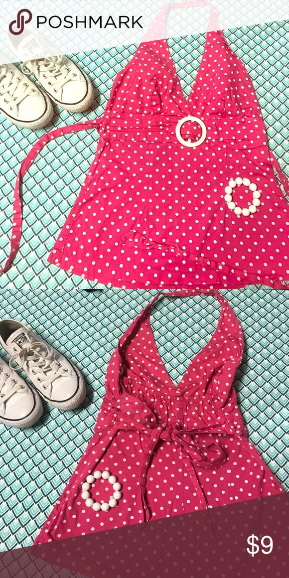 Pink polka dot halter top These polka dot are great to pair with white jewelry and I love to pair with white Converse. Has zipper closure in the side and a tie back which pushes your ladies up and gives a nice cleavage line👌🏼🍒. Very cute for spring! Tops Blouses