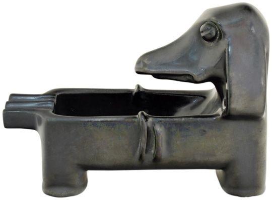 Tacskós hamutál, 1932-35: 42. Gorka Géza Aukció (Tél) 6.tétel