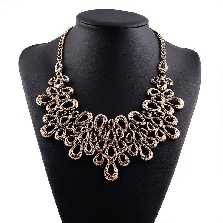 Necklcae - Fashion Choker Necklace - Gold