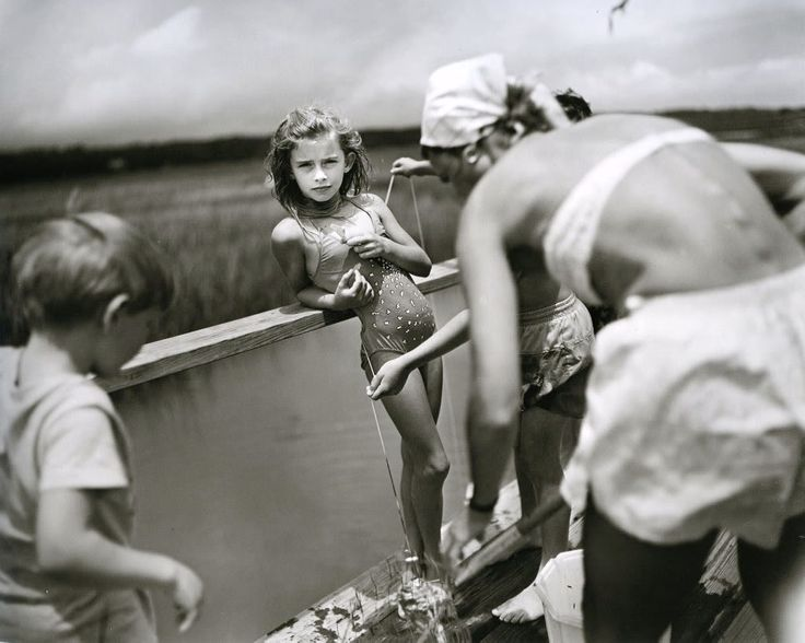 Crabbing at Pawley's - Immediate Family -  Sally Mann. 1989
