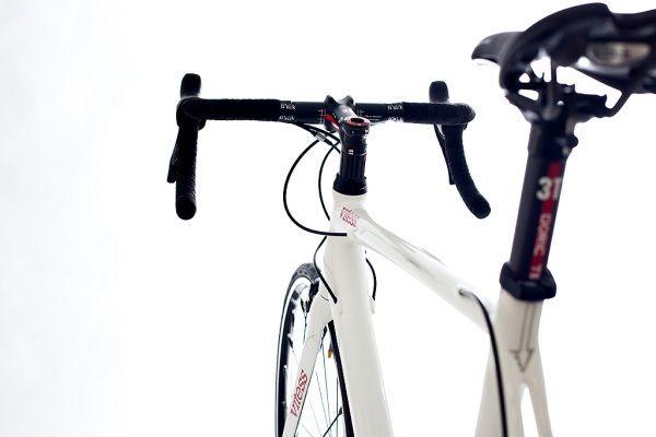 Vélos canadiens haut de gamme sur mesure Vitess | Baxtton