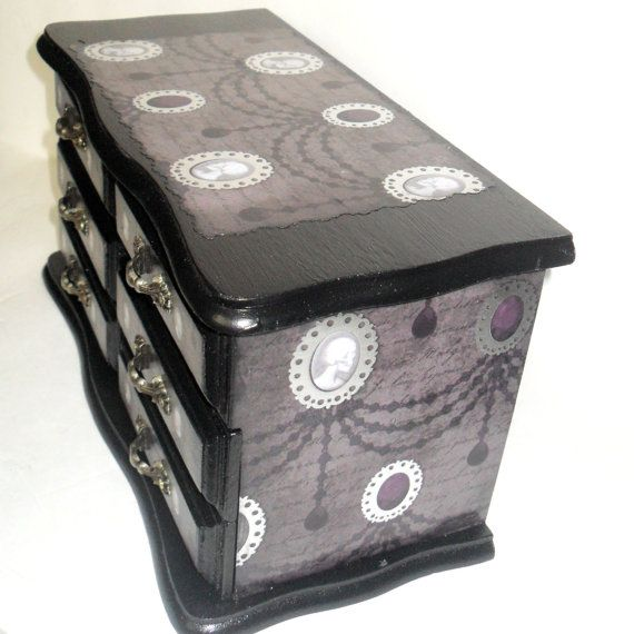 9 Skull Jinmenken Grey by Awesome Toy - Mintyfresh