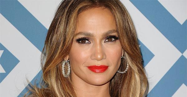Jennifer Lopez Plastic Surgery Controversy - http://plasticsurgerytalks.com/jennifer-lopez-plastic-surgery/