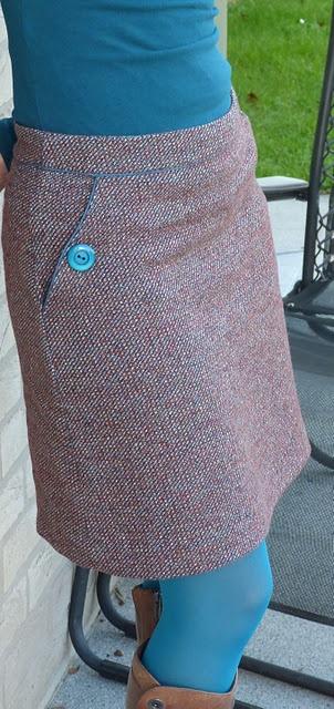 Rok uit Burda nr 2 (2010). Mooie zak toegevoegd aan favoriete A-lijn.