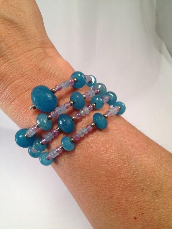 Chalcedony and Amethyst spiral bracelet di RoxaneItalianJewelry