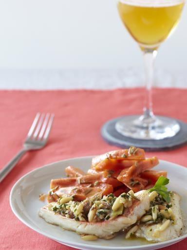 Filets de Rouget gratiné au cidre, façon provençale, et petites carottes rôties au thym, fenouil et cidre brut
