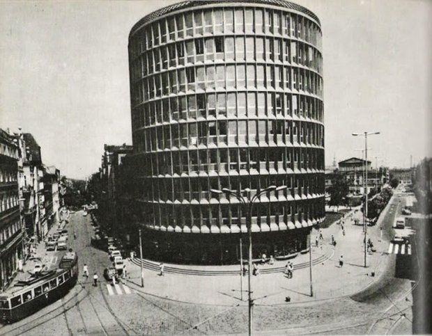 Powszechny Dom Towarowy Okrąglak, Poznań, 1954, projekt arch. Marek Leykam