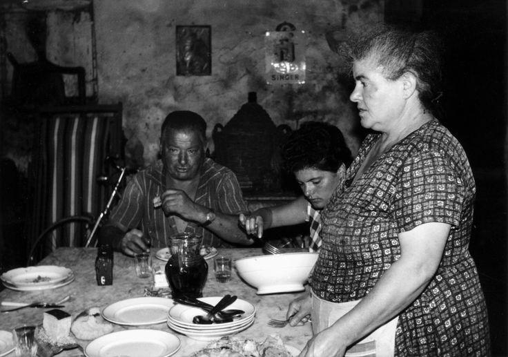 Norcia anni 50 interno di una casa contadina all 39 ora di for Interno di una casa