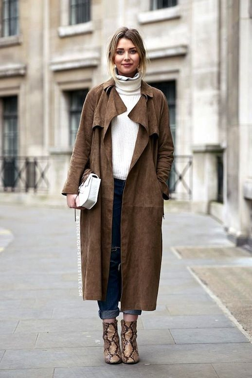 Street Style: Go Neutral In A Suede Trench And Python Boots | Le Fashion | Bloglovin'