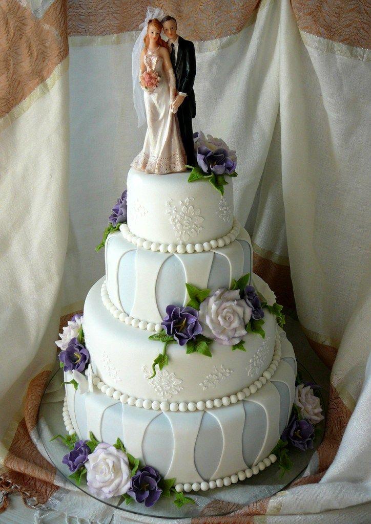 Свадебный торт с цветами
