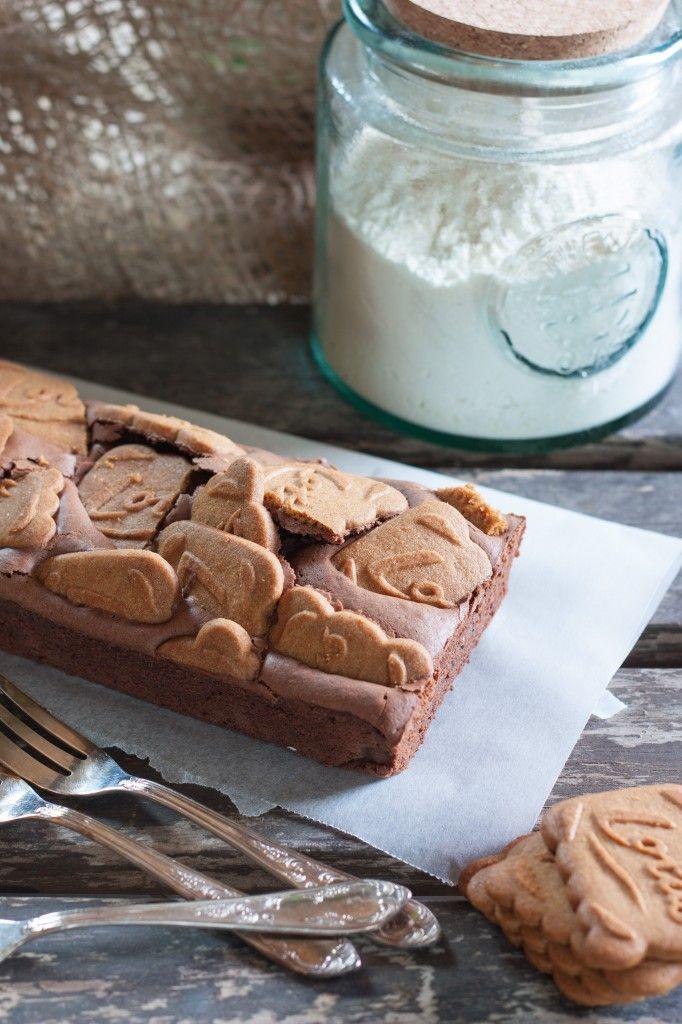 En tant que grande fan de chocolat et de spéculoos, ce brownie me faisait del'œildepuis un bon moment déjà! Et comme prévu, toutes les personnes qui ont pu le goûter l'ont trouvé extra! Et pour l...