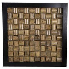 Een supermooi en zeker aparte wanddecoratie van hout.De binnenkant van deze houten decoratie is gemaakt van gevlochten bamboe.De buitenkant is een mooi zwart gelakt frame.