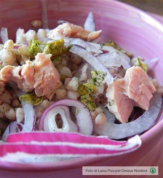 I di orzo con tonno, cipolla di Tropea e pistacchi
