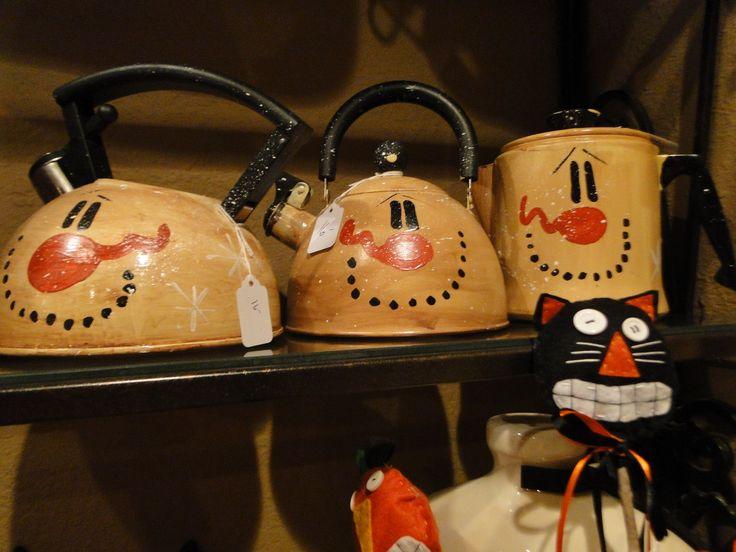 Trashy Treasures - Frosty tea pots