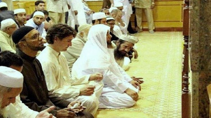 A video documenting Canadian Prime Minister Justin Trudeau's visit to a mosque in Canada has