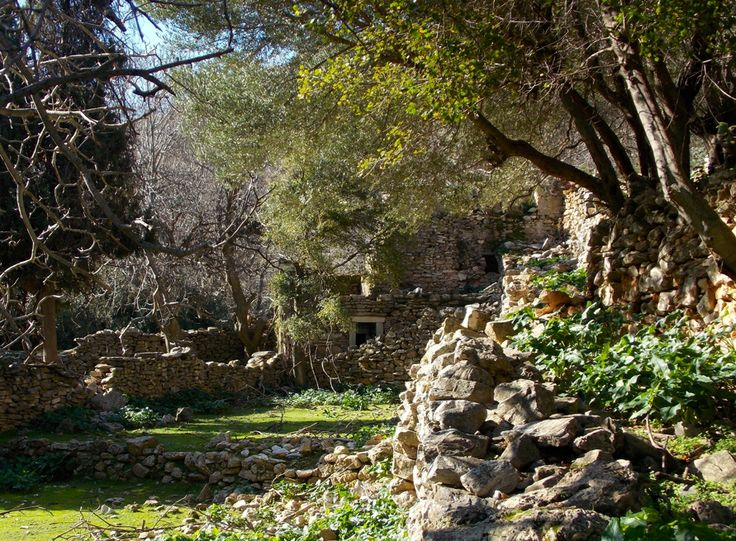 Ancient water mill near the village of Apiranthos, Naxos. Probably built in the 17th century. photo by Ηλιασ henfeathers.com