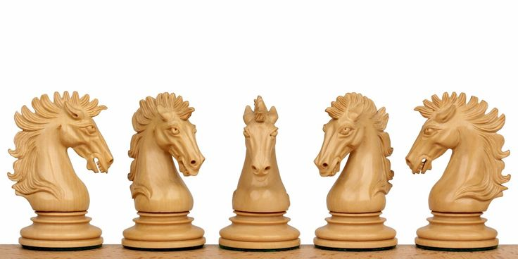 "Wellington Chess Set Ebony-Padauk 4.25"" King"