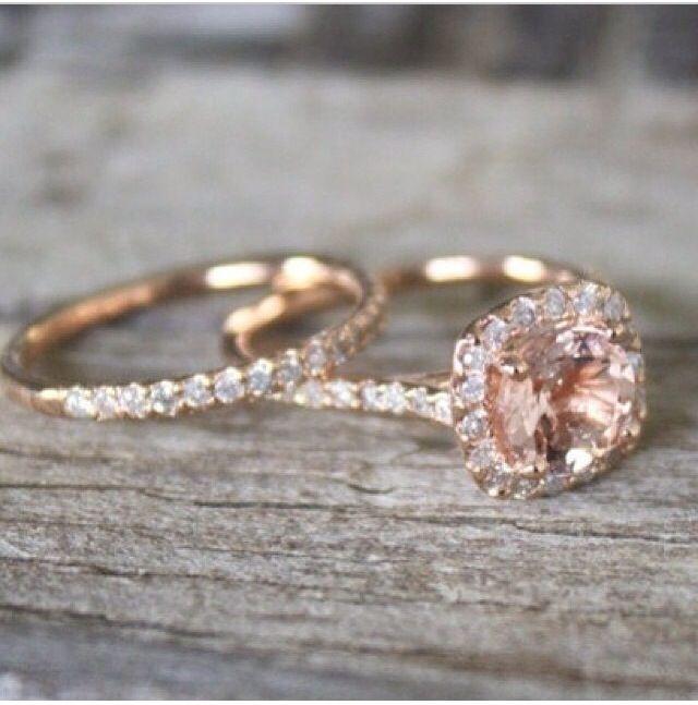 Unique rose gold wedding ring set