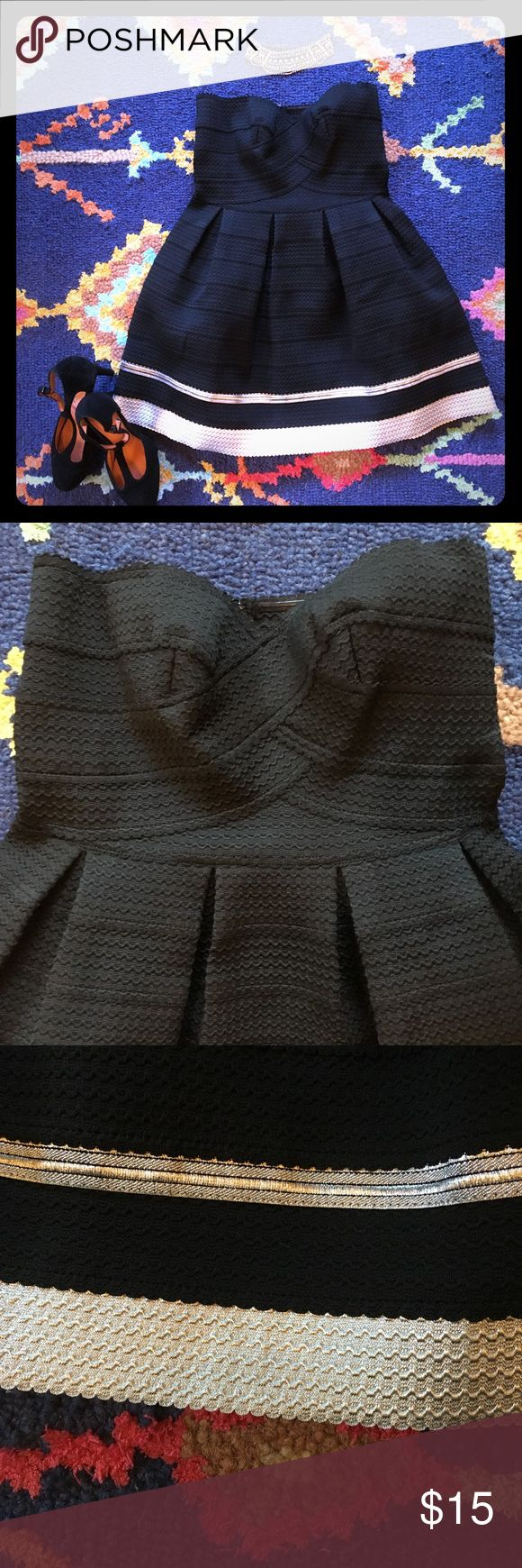 """Sans Souci bandage dress nwt Adorable (think Jess from New Girl style) and flattering, strapless elastic bandage dress.  Fit and flare shape.  24"""" from top to hem. Sans Souci Dresses Mini"""