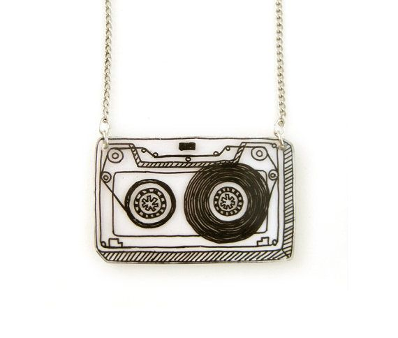 Retro Cassette Tape Shrink Plastic Necklace van DOODLEWORM op Etsy