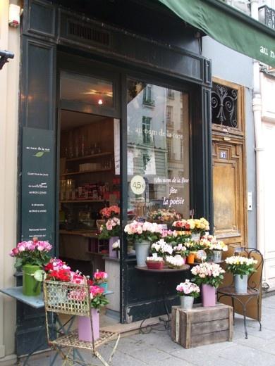 Cute Flower Shop - stealing the wooden crate idea.