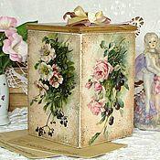 Купить или заказать короб для сладостей 'Волшебный аромат роз' в интернет-магазине на Ярмарке Мастеров. Винтажный короб выполнен в технике 'декупаж'. Внутри специально ничем не обработан, поэтому в нем смело можно хранить чай, кофе, конфеты, печенье, сухофрукты и т.д. Так же можно использовать как коробочку для нужных мелочей. Этот винтажный короб будет оригинальным подарком для ваших родных и близких. Если вы хотите быть в курсе новинок и событий моего магазина, просто нажмите в левой…