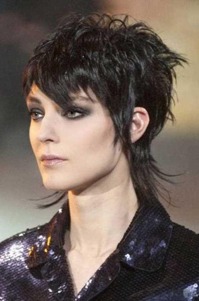 Vokuhila Kurze Haare Frisuren 2018 Frauen In 2020 Vokuhila Frisur Haarschnitt Kurz Vokuhila