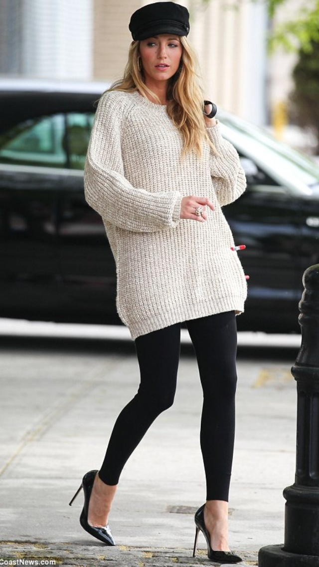 Blake Lively Poses for a NYC Photo Shoot 3