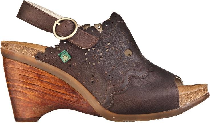 El Naturalistan N789 VEREDA-malli saatavana ruskeana, vihreänä ja mustana myymälästämme.