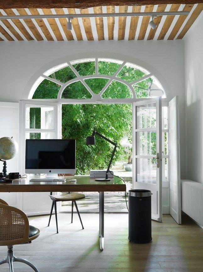 Decoration Design Pour Une Grange Provencale Planete Deco A Homes World Decoration Design Decoration Design
