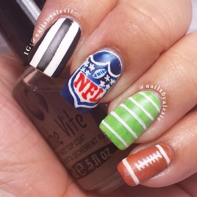 Get this NFL Team look at Polished Nail Bar! Milwaukee and Brookfield Locations #Nails #Football #NFL Like us at www.Facebook.com/NailBarPolished