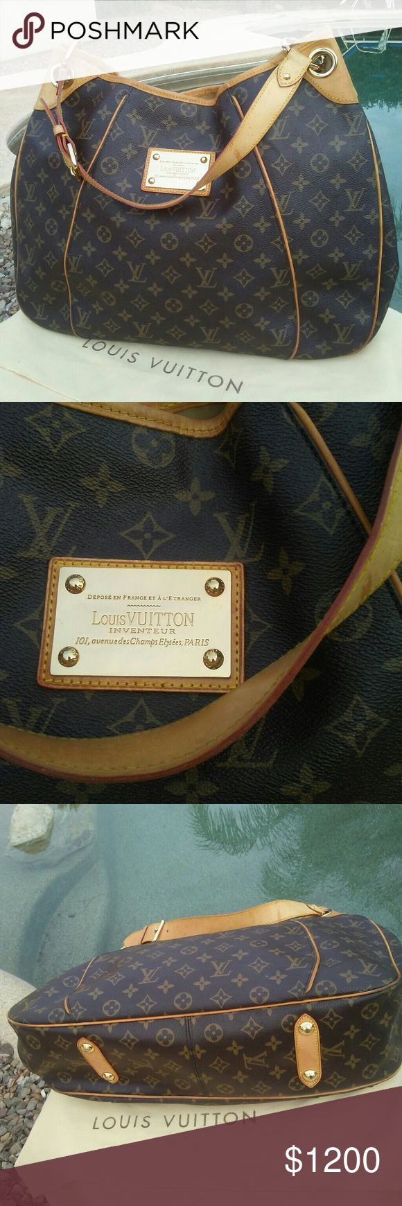 """Louis Vuitton Galliera big bag Louis Vuitton Canvas Galliera Hobo Bag  15.5""""L x 11.75""""H x 4.5"""" Bag is pre-owned and is kept in a LV dust bag . This bag is in great  used condition.  DESIGNER - Louis Vuitton  STYLE - Galliera PM in Monogram  HARDWARE - Gold Tone. One part of hardware inside is loose. Not noticeable. Check out please  the collage photo ➡   STRAP DROP - 7.5"""" (Achieved on the middle of three settings).  INTERIOR/EXTERIOR POCKETS  Interior lining wear, some cracks -  see pics…"""