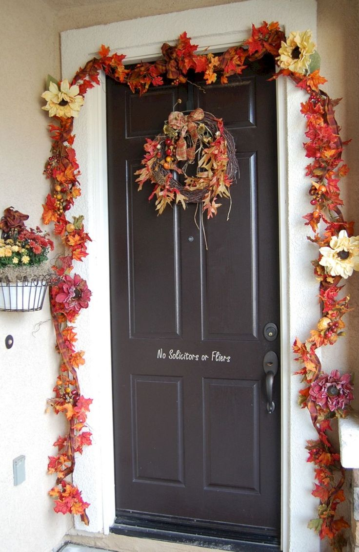 The Best Best And Most Beautiful Fall Front Door Decorating Ideas (35+ Best Pictures) http://goodsgn.com/design-decorating/best-and-most-beautiful-fall-front-door-decorating-ideas-35-best-pictures/