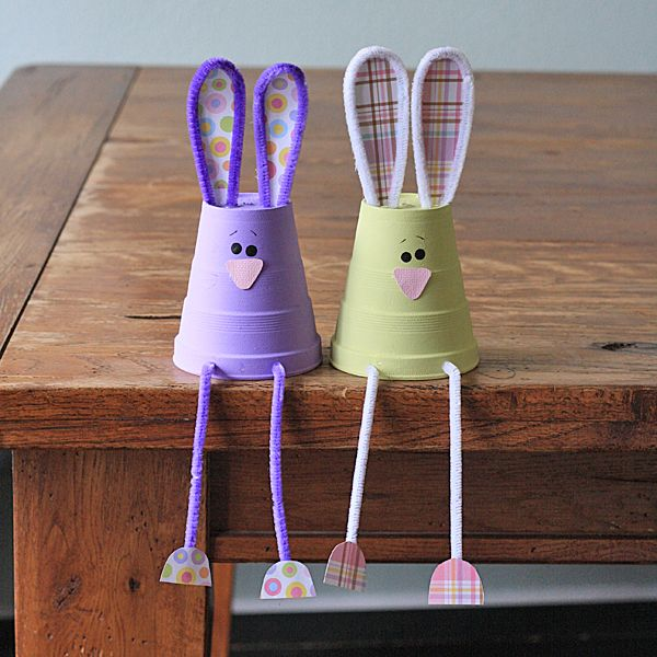 How cute! Bunnies made from foam cups, what a great Easter craft for the kids!