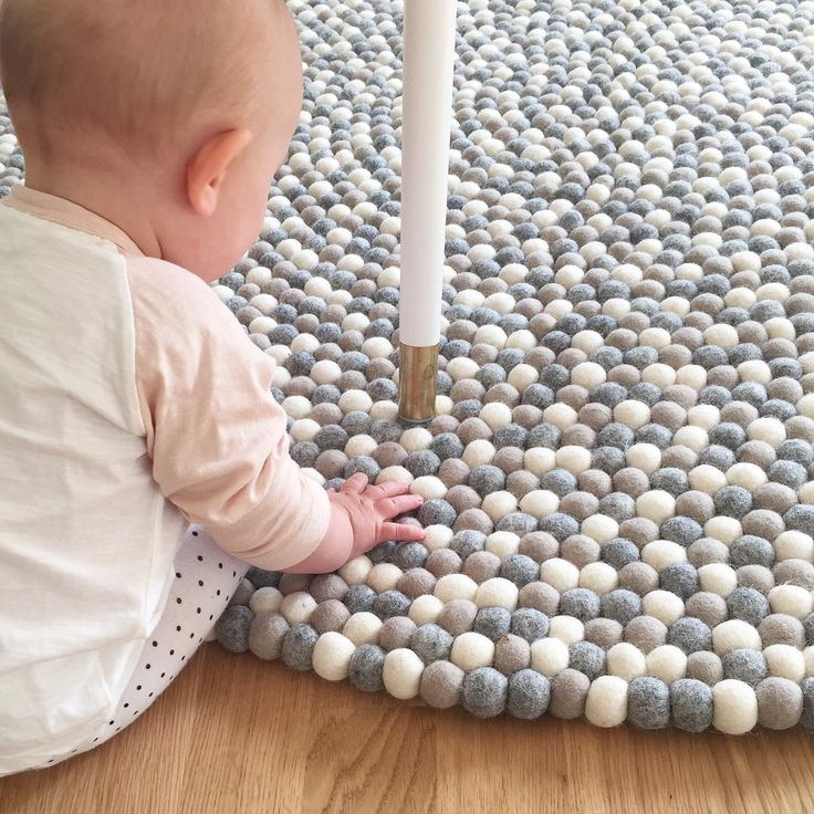 Das Baby mach die Qualitätskontrolle