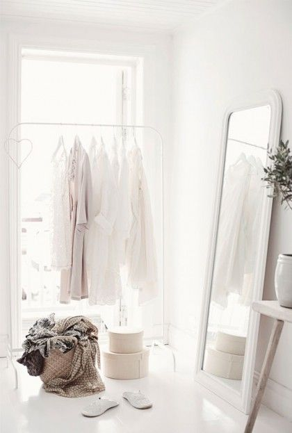 ALL WHITE + 5 Tips For Creating Your Dream Closet This Spring