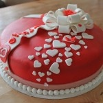Red/white hearts cake