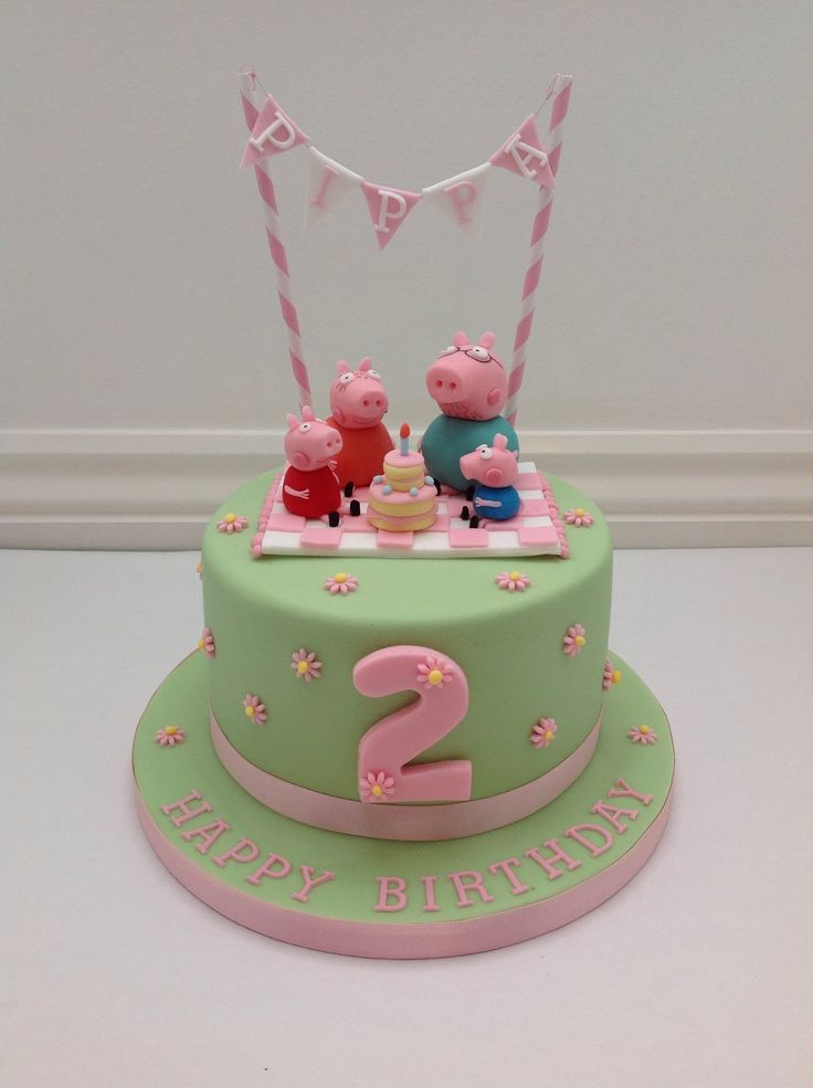 A Peppa Pig Picnic and Bunting Cake by Fancy Fondant