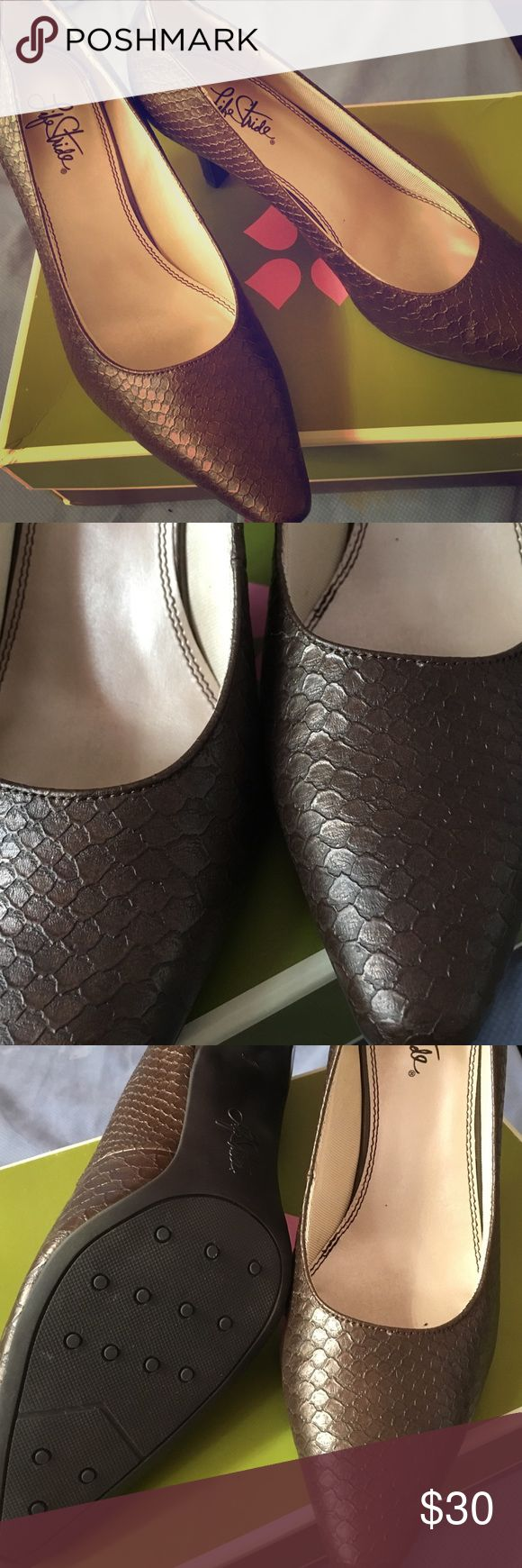 Brown two toned heels Brown two toned heels for sale. Never worn. Size 9 Life Stride Shoes Heels